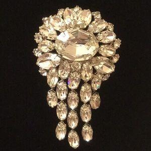 Jewelry - Vintage Rhinestone Pin Brooch Bling Dangle Shinny